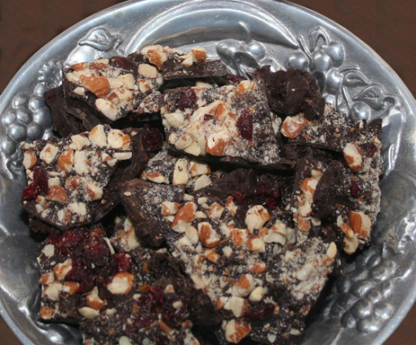 Heering_chocolate_fruit_bark463x384