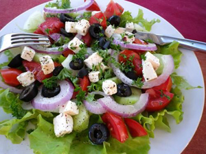 Kittencal_CC_greek_salad_sm
