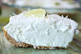 Pina_colada_icebox_pie