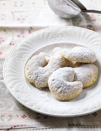 Vanillan_and_Almond_Kipferl
