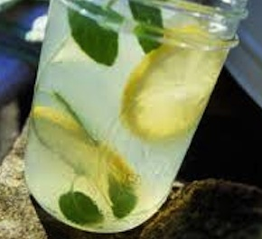 basil_lemonade_in_jar
